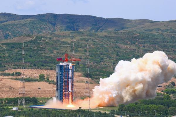 搭载大气同步校正仪的高分多模卫星成功发射