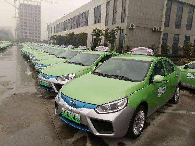 公共領域新能源汽車推廣面臨多重挑戰